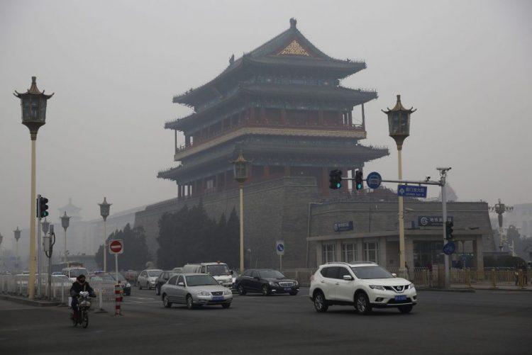 Mais de vinte cidades chinesas sob alerta máximo de poluição