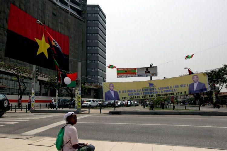 Crise e apagões deixam iluminação de Natal a meio gás em Luanda