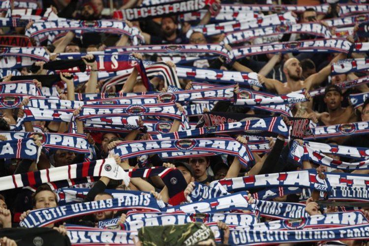 Cerca de 30 adeptos do Paris Saint-Germain banidos do estádio por um ano