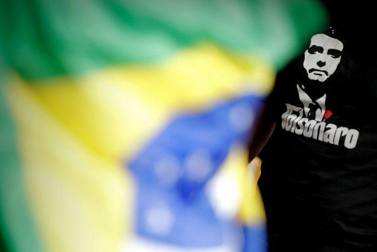 Eleições/Brasil: Bolsonaro alcança 41% de intenções de voto em véspera de eleições