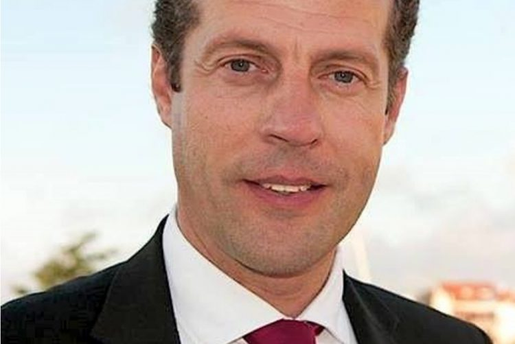 Polémica: Presidente da CM Aveiro apela à «esfrega nas caloiras» [vídeo]