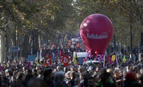 Entre 11.500 e 50.000 manifestam-se em Paris em defesa do modelo social