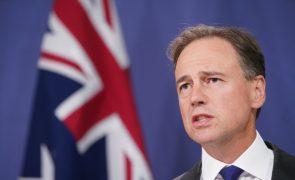 Governo da Austrália pede desculpa a mulheres afetadas por implante vaginal
