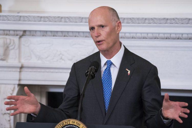 Governador da Florida aconselha pessoas na rota do furacão a procurarem refúgio