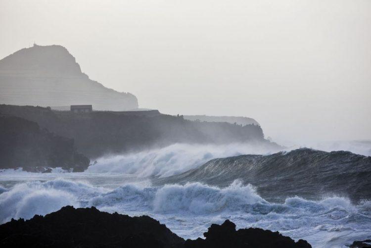 ALERTA   Açores sob aviso amarelo devido ao mau tempo