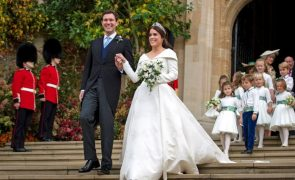 Casamento real: O primeiro beijo depois do «sim, aceito!»