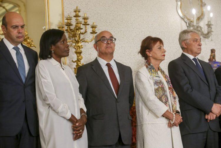 Presidente aceitou exoneração de Azeredo Lopes e aguarda proposta de sucessor