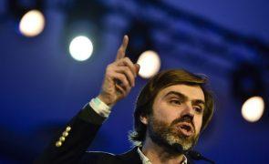 CDS considera demissão do ministro inevitável e tardia