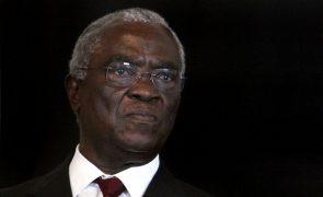 Antigos presidentes de São Tomé propõem encontro entre todos os partidos para superar crise