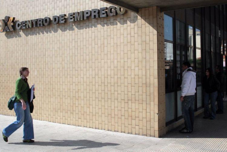 BE anuncia mais três mil desempregados de longa duração com direito a subsídio social