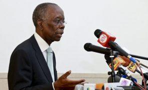 Ministro das Finanças de Moçambique seguro de acordo com credores até final do ano