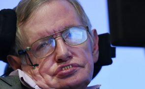Mensagem póstuma de físico Stephen Hawking alerta para ameaça da ciência no mundo