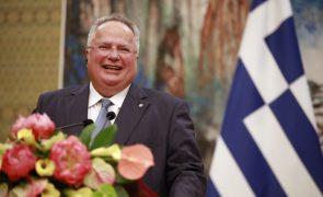 Demite-se MNE grego depois de desentendimento sobre acordo com Macedónia