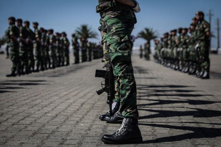 Recruta conta que instrutor dos comandos viu Hugo Abreu cair de viatura sem reagir e nada fez