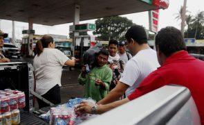 México começa a receber migrantes hondurenhos na fronteira com a Guatemala