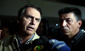 Bolsonaro adotará três táticas para rebater alegada manipulação no WhatsApp na sua campanha no Brasil