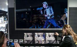 Viúva do músico Johnny Hallyday  projeta criar museu e escola de música em sua memória