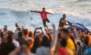 Surfista Ítalo Ferreira vence pela primeira vez Meo Rip Curl Pro Portugal
