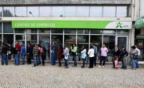 Número de desempregados inscritos desceu 17,1% em setembro, para 338.935