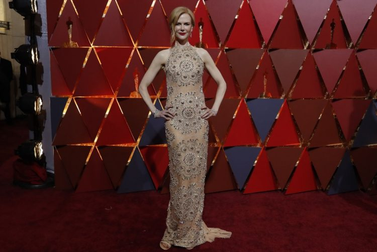 Nicole Kidman explica porque bateu palmas de forma estranha nos Óscares