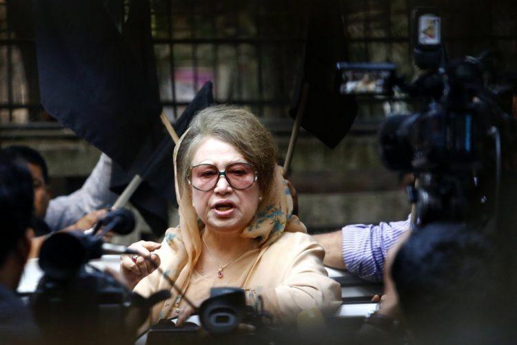 Ex-primeira-ministra do Bangladesh condenada a sete anos de prisão por corrupção