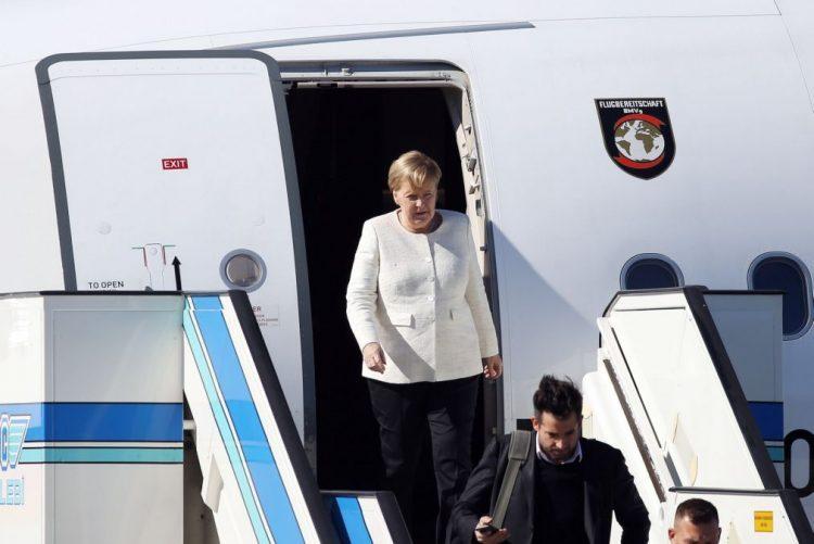 Angela Merkel renuncia a concorrer à reeleição na presidência da CDU