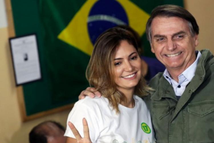 De mulher de bastidores a primeira dama do Brasil. Conheça Michelle Bolsonaro