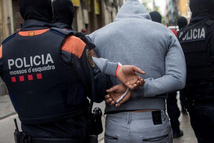 Detidas 55 pessoas em operação de combate à droga em Barcelona