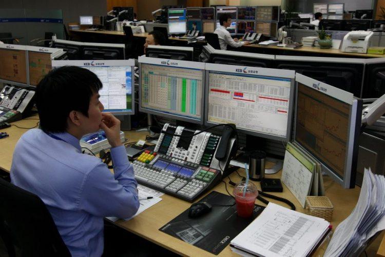 Bolsa de Tóquio abre sem rumo definido