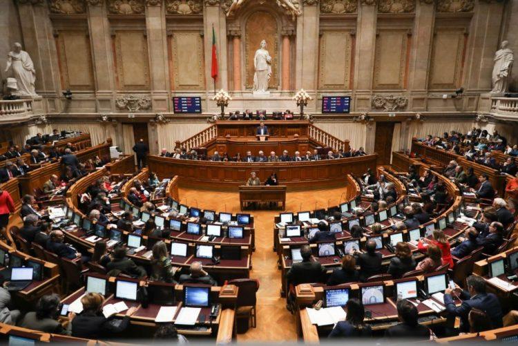Esquerda aprova orçamento para 2019 na generalidade, direita vota contra