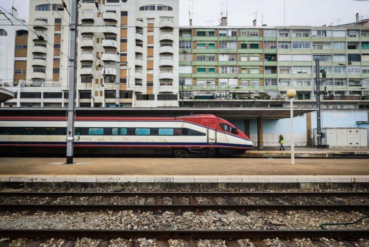 Hoje há greve da IP e com «fortes perturbações na circulação dos comboios»