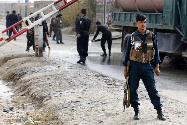 Pelo menos sete mortos em ataque suicida junto à maior prisão do Afeganistão