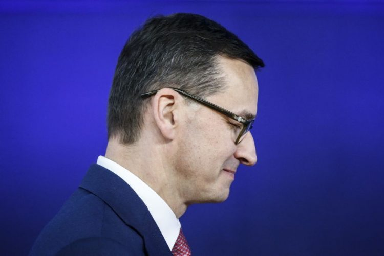 Imprensa de capital alemão ataca poder polaco, acusa primeiro-ministro da Polónia