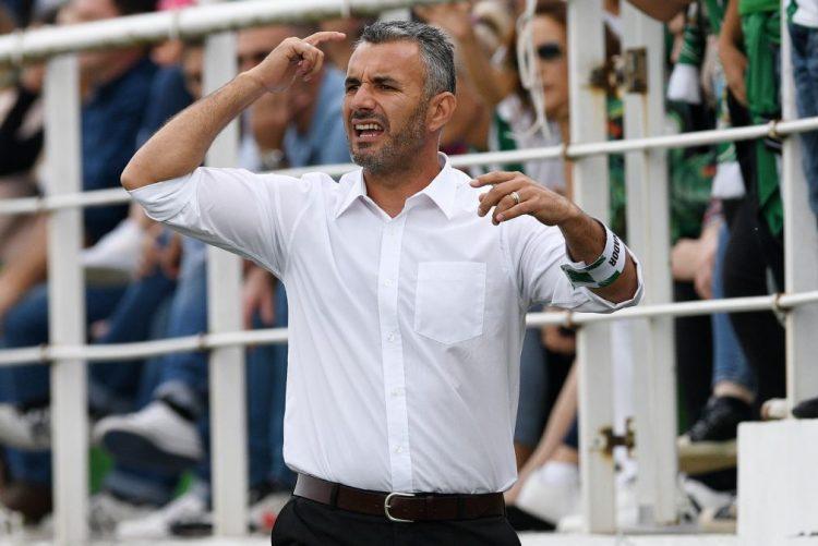 Treinador do Moreirense desvaloriza momento do Benfica e quer ganhar na Luz