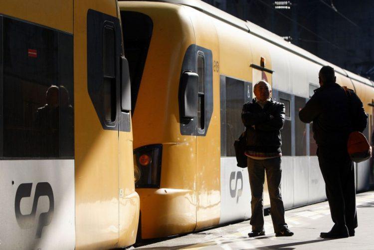 CP retoma a partir de domingo horários suprimidos na Linha do Oeste