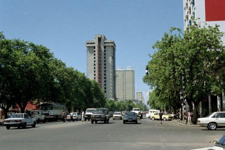 Filas em Maputo para obter cartas de condução antes do aumento de preço