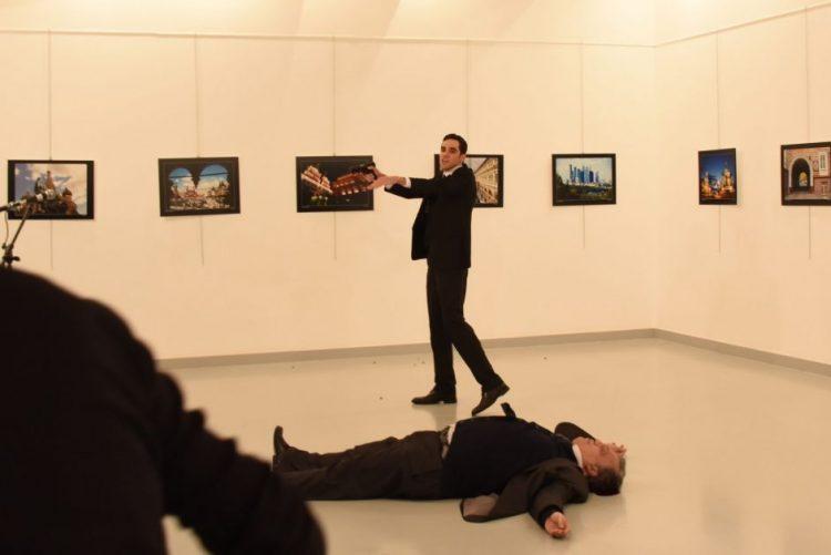 Turquia não vai permitir que assassínio de embaixador prejudique relações com Rússia