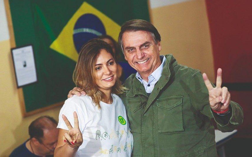 Mulher de Bolsonaro infetada com covid-19