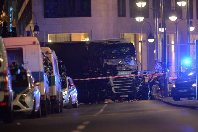 Vários mortos e pelos menos 50 feridos em incidente no mercado de Berlim