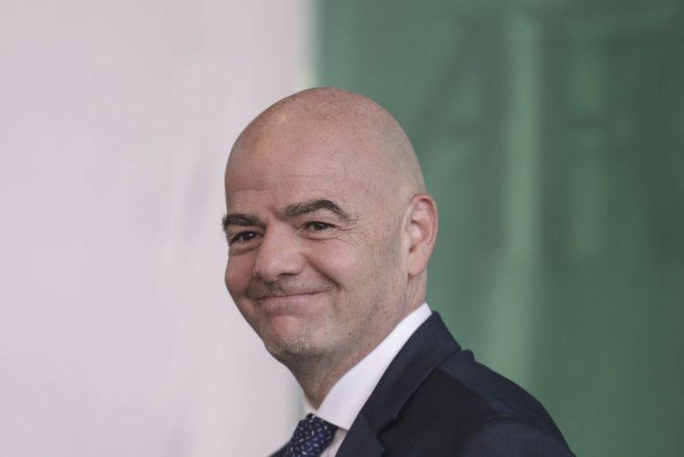 FIFA diz que notícias sobre apoio a 'doping financeiro' visam enfraquecer Infantino