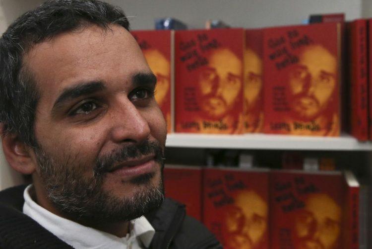 Luaty Beirão elogiado por