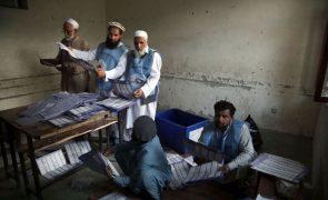 Legislativas no Afeganistão registaram 56 mortos e 379 feridos