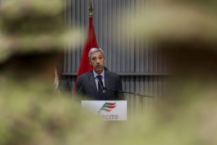 Ministro da Defesa sem palavras para PR sobre Tancos e confiante nas Forças Armadas