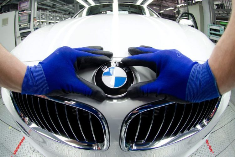 Lucro da BMW cai 8,7% nos primeiros nove meses para 5.788 ME