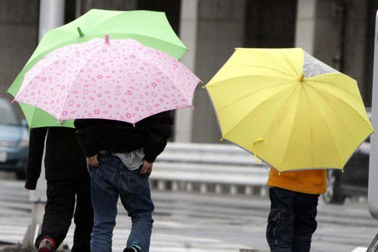 16 distritos sob aviso amarelo no domingo devido a chuva forte