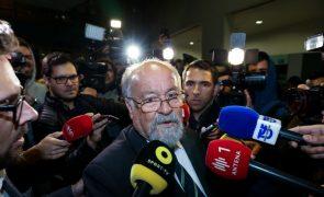 Presidente da Liga dos Bombeiros Portugueses ameaça guerra ao Governo