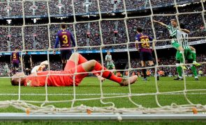 Barcelona surpreendido em casa pelo Bétis num jogo com 7 golos