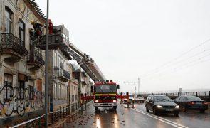 Chuva causa mais de 200 inundações de casas e ruas em Lisboa