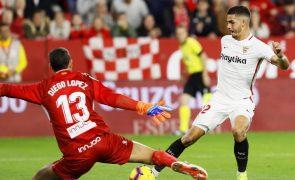 Sevilha de Carriço e André Silva vence e fica a um ponto do líder FC Barcelona