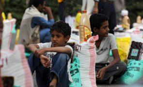 UE insta a respeito da lei humanitária no Iémen e a que se abra passagem a civis